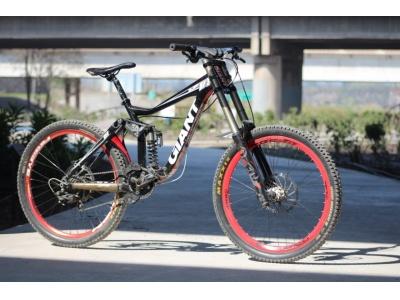 Bicicleta Downhill Giant Otro Año 2011 26